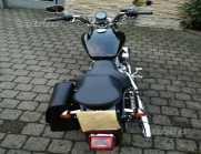 Harley-Davidson Sportster 883 -...
