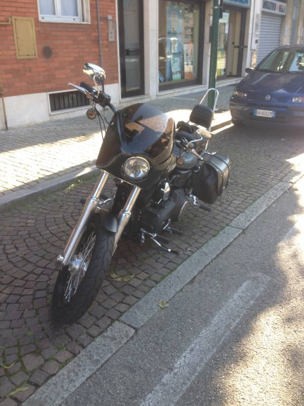 WINDSHIELD FAIRING PER HARELY DYNA STREETBOB...