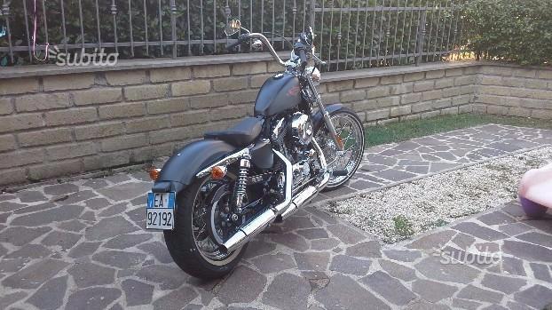 Harley-Davidson Sportster XL1200V Seventy Two