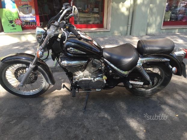 Suzuki VL Intruder 250 - 2000