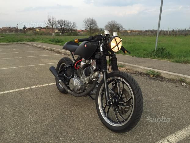 Special Caferacer su base Yamaha XV 500 del 1985