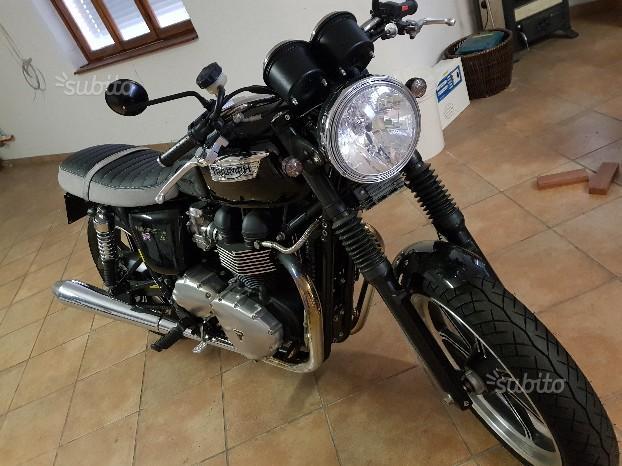 Triumph Bonneville - 2010