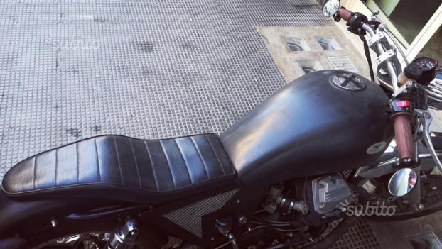 Moto Guzzi v35 Bobber - Café racer - naked