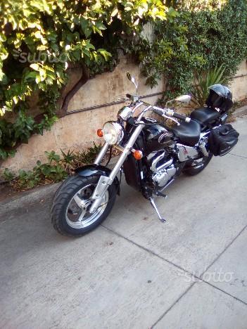 Suzuki VZ Marauder 800 - 2001