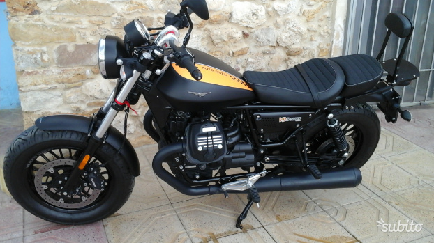 Moto Guzzi V9 Bobber Usata