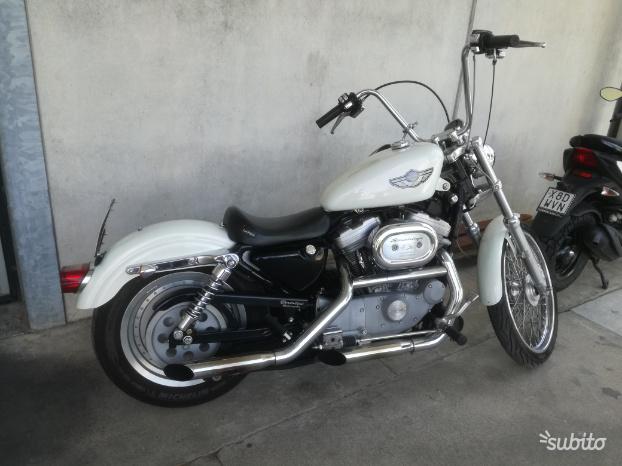 Harley Sportster 883 centenario
