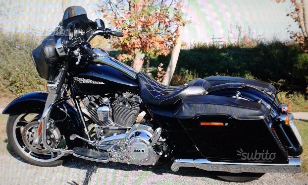 Harley-Davidson Touring Street Glide - 2011 103