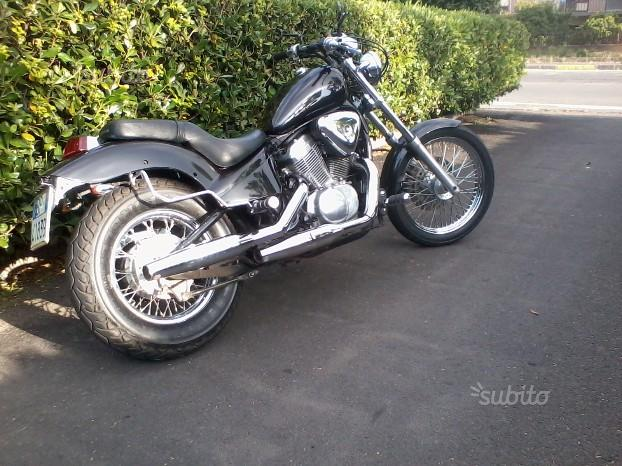 Honda VT 600 Shadow - 2001 black